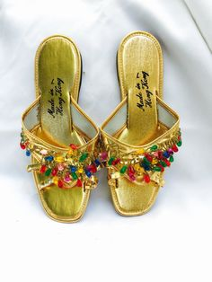 VINTAGE GOLD SLIPPER shoe slip ons gold vinyl with colorful beads on staps made in Hong Kong size 6-7