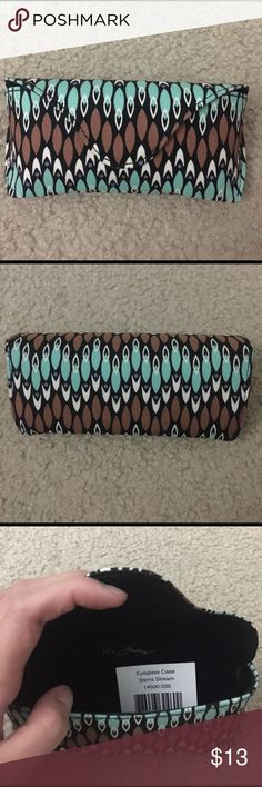 Eyeglass Case Sierra Stream A hard case perfect for the safety of your sunglasses or reading glasses.  In perfect condition! Vera Bradley Accessories