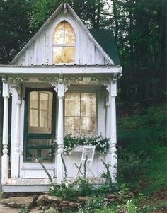 (link) Judy's Cottage Garden: Garden Potting Sheds ~ view a large variety of greenhouse / playhouse / potting sheds ~ for more great PINs w/good links visit Donna Johnisee ~ have fun!
