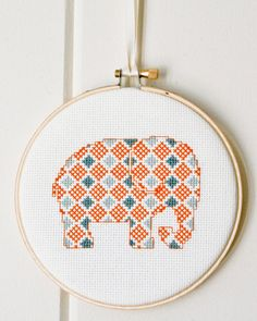 Patrón de punto de Cruz PDF elefantito en por RedGateStitchery
