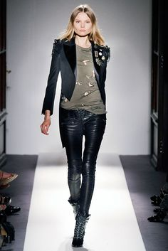 Balmain Spring 2010 Ready-to-Wear Fashion Show - Magdalena Frackowiak