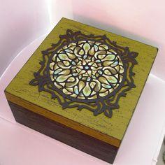 DIY pudełko z mandala https://www.youtube.com/watch?v=J6hsobZ7TV8