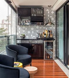 Understanding Mini Bar Design Ideas Some balconies are made to compliment the present home design and decor. When it has to do with designing an outdo. Mini Bars, Apartment Balconies, Cool Apartments, Decoration Design, Decoration Table, Balkon Design, Apartment Living, Living Room, Design Case