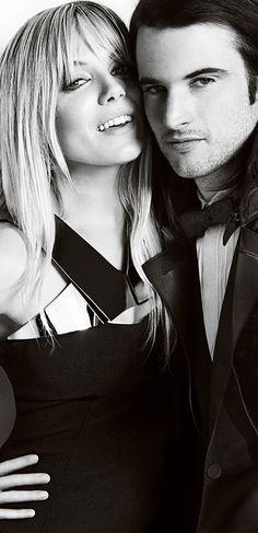 British couple Sienna Miller and Tom Sturridge wearing Burberry Prorsum eveningwear Celebrity Fashion Looks, Celebrity Style, Movie Co, Ladies Gents, Sienna Miller, Burberry Prorsum, How To Pose, Celebs, Celebrities