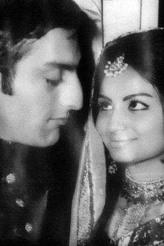 Sharmila Tagore and Mansoor Ali Khan (Tiger) Pataudi, at their wedding I assume. Bollywood Couples, Bollywood Stars, Bollywood Celebrities, Bollywood Actress, Bollywood News, Old Film Stars, Movie Stars, Monochrome Weddings, Sharmila Tagore