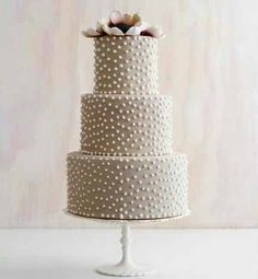 there is something about this cake I have always loved. I think it's the simplicity of it and how well the colors go together