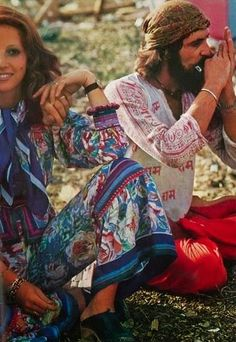 (2) Woodstock Hippies 1969 Photos. - Bilder Land