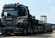 Scania super R560 V 8   .Zw.trantsport uitschuiftreler speciaaltransport.