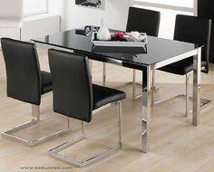 Pavk Limit- Cadell: Conjunto de mesa metálica, con tapa de cristal blanco o negro. Cuatro sillas metálicas tapizadas en blanco o negro. Se sirve en Kit de muy fácil montaje y con instrucciones claras. Cristal templado de 8mm. Cristal con circulos de acero termo-pegado. Estructura metálica con recubrimiento cromado. Patas cromadas con conteras de plástico antirrayado. Tapizado en PU lavable.