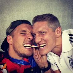 """""We're a bit(e) funny.."" #instafun #poldi #aha #weltmeister #brazil #medal #worldcup #bs7 #lp10 #friends #ficapodolski"""