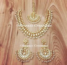 Fulfill a Wedding Tradition with Estate Bridal Jewelry Gold Jewelry For Sale, Indian Jewelry Sets, India Jewelry, Stylish Jewelry, Fashion Jewelry, Gold Jewellery, Emerald Jewelry, Jewellery Making, Jewelry Shop