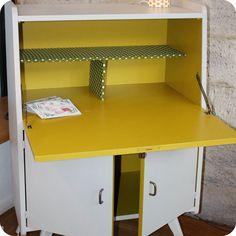 Meubles vintage > Bureaux & tables > Petit secrétaire années 50 : Fabuleuse Factory