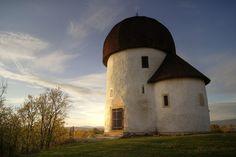 10 magyar templom, amit látni kell egyszer az életben: ezek a legkülönlegesebbek az országban Homeland, Hungary, Landscape, Building, Places, Outdoor Decor, Nature, House, Travel