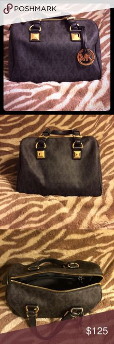 Michael Kors Medium Grayson Satchel-Authentic Black and Gold leather Michael Kors Signature Grayson medium satchel. Great condition and has been used a few times. Has also been stored in a dust bag in a smoke and pet free home. Almost brand new!! Michael Kors Bags Satchels