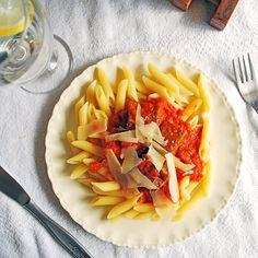 Ragú, este plato es uno de esos que recuerdo en la mesa de casa desde que soy muy pequeña.