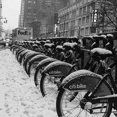 Today is not a good day for a bike ride. ☃❄️ #nyc #NewYork_Originals #newyorkcity #newyork #ILOVENY #iheartnyc #abc7ny #nbc4ny #thecitythatneversleeps #nypix #nycdotgram #newyork_instagram #picturesofnewyork #newyork_originals #igersofnyc #ig_newyorkcity #nycprimeshot #what_i_saw_in_nyc #onlyinnyc #wildnewyork #winter #stormjonas