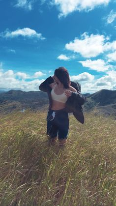 Nadine Lustre Ootd, Nadine Lustre Outfits, Filipina Actress, Filipina Beauty, Photography Poses Women, Travel Photography, Lady Luster, James Reid, Angelababy