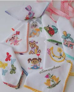 Baby Set, Baby Embroidery, Linen Napkins, Baby Knitting Patterns, Diy And Crafts, Cross Stitch, Instagram, Ideas, Baby Layette