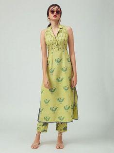 Green Hand Block Printed Cotton Kurta with Pants - Set of 2 Printed Kurti Designs, Salwar Designs, Kurta Designs Women, Kurti Designs Party Wear, Cotton Kurtis Designs, Long Kurta Designs, Dress Indian Style, Indian Fashion Dresses, Indian Designer Outfits