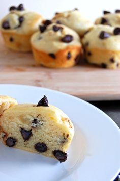 Gluten Free Chocolate Chip Muffins {incredibly fluffy, perfect anytime of day!} | emthebaker.com
