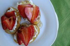 Appetizer: strawberries w/ gorgonzola