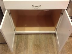 Base cabinet with no