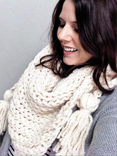 Here is a step by step tutorial to help you crochet your own triangle scarf. The crochet pattern uses 2 skeins of super bulky weight yarn from Lion Brand.