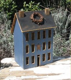 Primitive Saltbox House from The Weathered Gate……I need for my hall table Primitive Saltbox House von The Weathered Gate …… Ich brauche für meinen Flurtisch Primitive Crafts, Country Primitive, Wood Crafts, Country Crafts, Country Decor, Farmhouse Decor, Country Charm, Saltbox Houses, Bird Houses