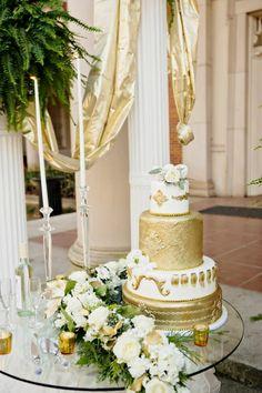 Gold wedding cake - Andie Freeman Photography