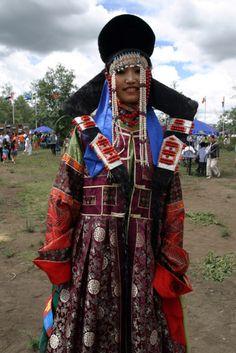 culturalcrosspollination:    Traditional Mongolian dress