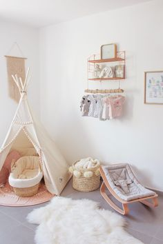 Pink is the perfect colour for girl's bedroom! Discover more pink inspirations with Circu furniture for kids' bedroom: CIRCU. Nursery Layout, Nursery Room, Girl Nursery, Girl Room, Nursery Decor, Baby Bedroom, Baby Room Decor, Room Decor Bedroom, Girls Bedroom