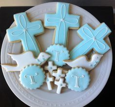 Items similar to Decorated Personalized Baptism / Christening Cookies- Great Gift or Favors on Etsy Christening Cookies, Baptism Cupcakes, Baptism Party, Baptism Ideas, Easter Cookies, Sugar Cookies, Candy Cookies, Decorated Cookies, Comunion Cakes