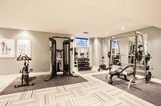 Keller der Woche: Lässiger Luxus in Toronto Fotos) (Houzz) - home gym - Home Gym Basement, Gym Room At Home, Home Gym Decor, Basement Ideas, Basement Workout Room, Basement Plans, Dream Home Gym, Best Home Gym, Workout Room Home