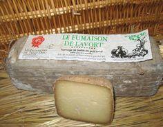 Fumaison es un queso usando la leche cruda de oveja lacaune, nativa de la región del macizo central Loire Francia
