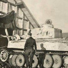 Tiger Tank, Ww2 Tanks, World Of Tanks, Panzer, Armored Vehicles, Skin So Soft, Historical Photos, Military Vehicles, Diorama