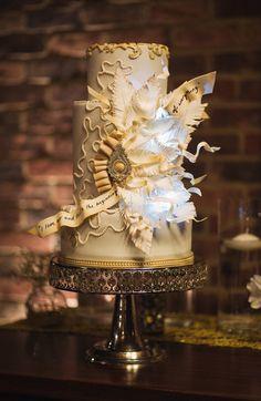Hochzeitstorten mit Lieblingszitat in Great Gatsby 20er Jahre Vintage Hochzeit Inspiration für die 20er Jahre Vintage Hochzeit