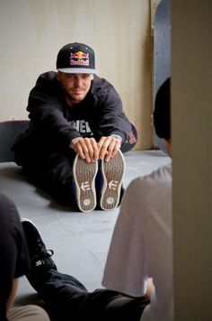 If I stood next to Ryan Sheckler I'd be the most hideous being in the world, my lord!