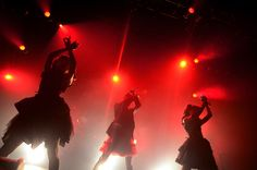October 11, 2012 - Japanese kawaii metal idol group BABYMETAL performed a sold-out one-man show titled I,D,Z – LEGEND 'I' at Shibuya O-EAST on Saturday, October 6, in Tokyo. The trio of Moa Metal, Su-Metal, and Yui Metal sang, danced, moshed, and screamed through a one-hour set including fan favorites II NE! and Headbangeeeeerrrrr!!!!! Set List BABYMETAL DEATH II NE! Kimi to Anime ga Mitai - Answer for Animation with You U Ki U Ki ...
