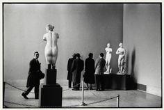 New York. 1953. The Metropolitan Museum of Art. by Elliott Erwitt