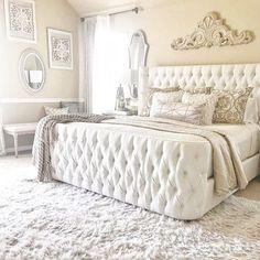 Interior Design Career Information Interior Design Career, Interior Decorating Styles, Tufted Bed, Luxurious Bedrooms, My New Room, Headboard And Footboard, Decor Styles, Diy Home Decor, Bedroom Decor