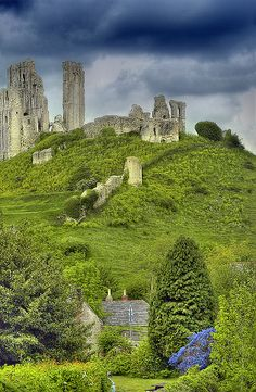 The age old ruins (1000 yrs) of Corfe Castle near Dorset, England.