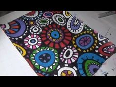 Doodle | Wonky Circles | Adding Colour with Sharpie Markers | Speed Colo... Sharpie Markers, Sharpie Art, Paint Markers, Circle Doodles, Aboriginal Dot Art, Diy Bookmarks, Posca, Artist Trading Cards, Painted Paper