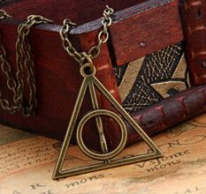 A classic Harry Potter iconic relic. A must have for you Potter heads. Bronzed finish with 18inch long metal chain.