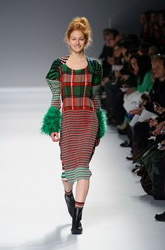 Défile Issey Miyake Prêt-à-porter Automne-hiver 2013-2014 - Look 24