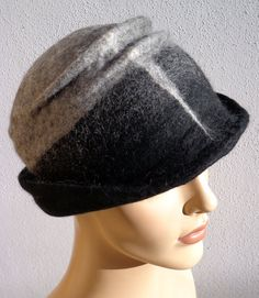 Gray and black retro hat felted hat felt cloche 1920s by feltgOOOd