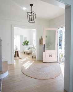 Small Foyer Decor has never been so Gorgeous! Discover more about Best Small Foyer Decor and find your home decor Today. Home Interior, Interior Design, Scandinavian Interior, Interior Paint, Interior Ideas, Entry Way Design, Country Farmhouse Decor, Coastal Farmhouse, White Walls