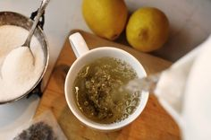 Try the green tea diet if you want to speed up metabolism and lose weight, stabilize blood pressure and possibly fight cancer. Includes 7 day green tea diet plan and grocery list. Detox Recipes, Tea Recipes, Smoothie Recipes, Bebidas Detox, Detox Diet Plan, Best Tea, Healthy Detox, Tea Blends, Natural Energy