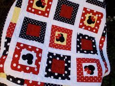 Just bought this!! Mickey & Minnie Disney Inspired Quilt - LOVE IT!!