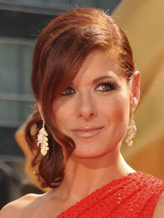 wedding makeup round face Debra Messing Elegant Red Side Bun Updo With Bangs For Round Face Shapes 2015 Hairstyles, Hairstyles For Round Faces, Bridal Makeup Looks, Wedding Makeup, Pretty Makeup, Redhead Makeup, Hair Makeup, Eye Makeup, Side Bun Updo