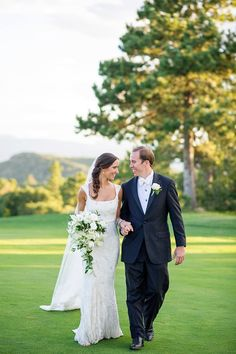 Classic Wedding on a Golf Course   Classic bride in a monique lhuillier gown   COUTUREcolorado WEDDING: colorado wedding blog http://www.couturecolorado.com/wedding/2015/01/28/classic-wedding-on-a-golf-course/